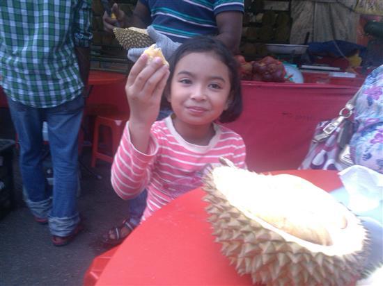 iffah tak makan banyak durian ni