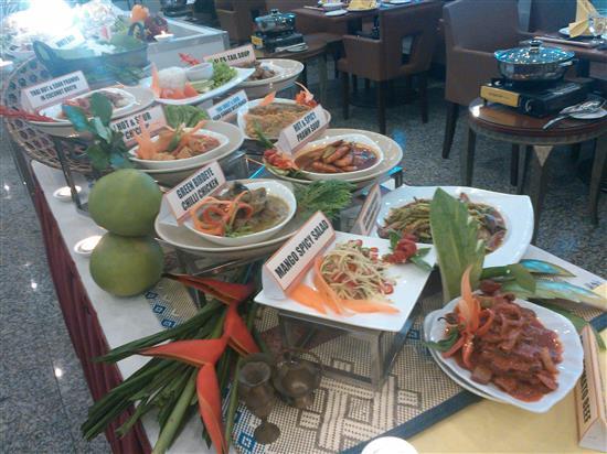 set hidangan Royale Thai Fusion