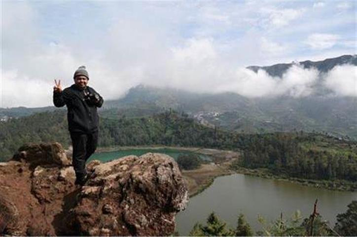 Pemandangan daripada puncak Bukit Batu Pandang Angin