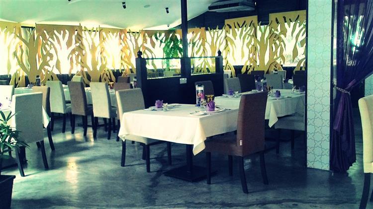 tempat makan biasa