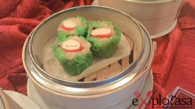 Green-Crab Meat Roll Dumpling