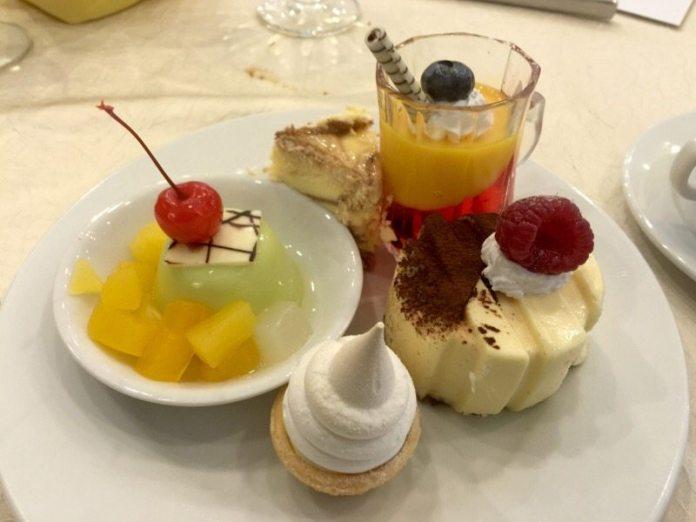 hi-tea-krismas-hotel-grand-bluewave-shah-alam-aneka-dessert