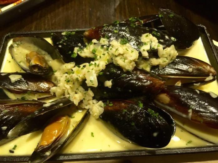 Garlic Herb Lemon Mussels (RM 24.00)
