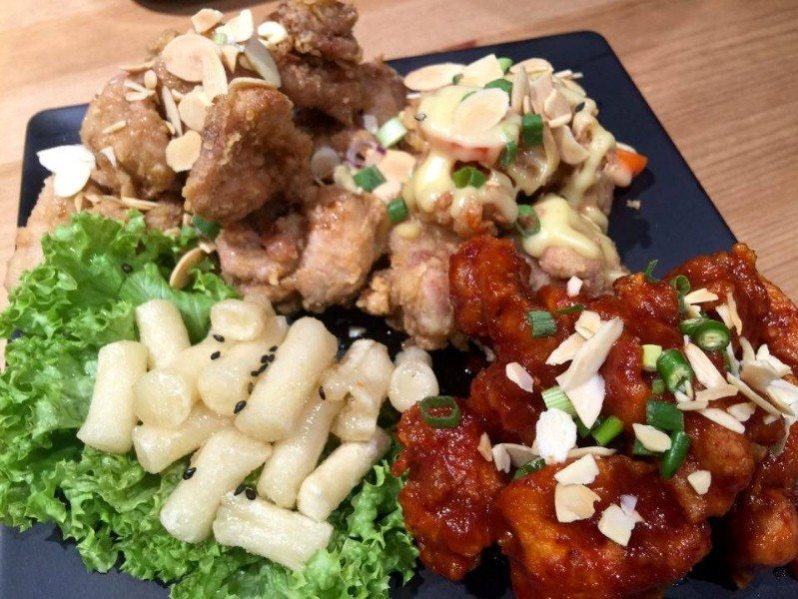 hanbing-koren-dessert-cafe-trio-korean-chicken