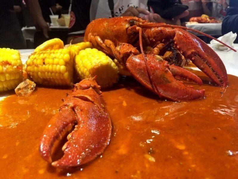 kenangan makan lobster di Crabhut Cyberjaya