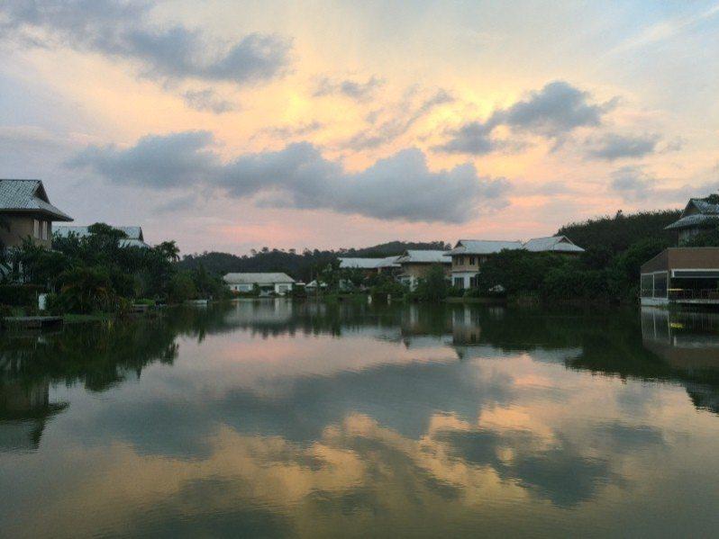 senja di The LifeCo Phuket