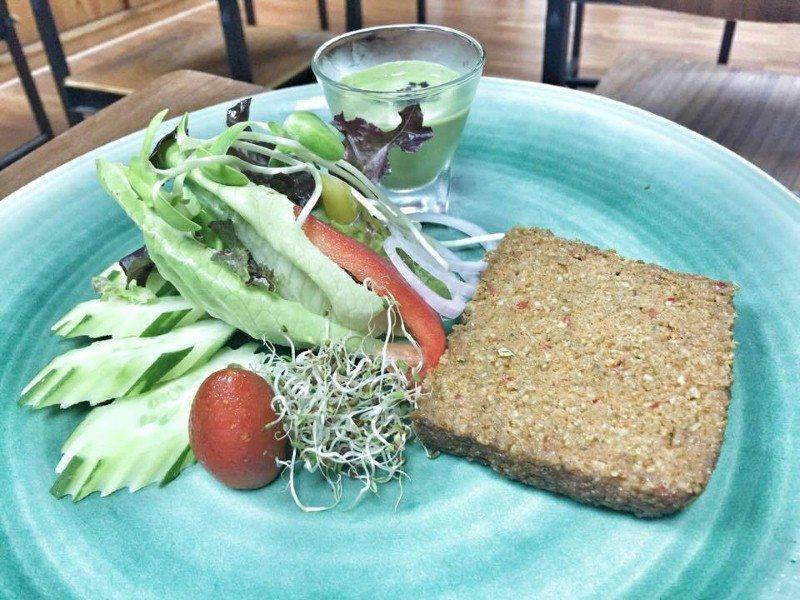 the-lifeco-phuket-dinner