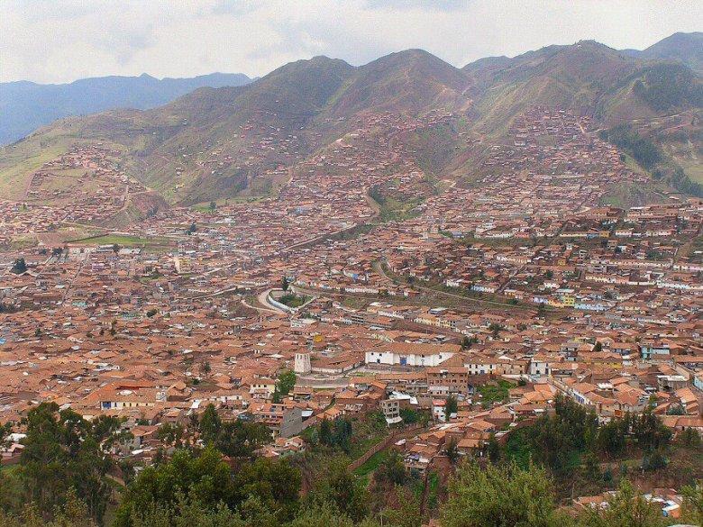 Cuzco Peru - ExplorationVacation P1010051