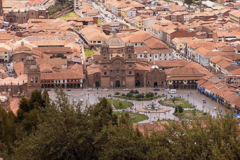 Cuzco Peru - ExplorationVacation P1010052