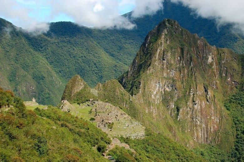 Machu Picchu Peru - ExplorationVacation 2005-12-31_09_31_33_0