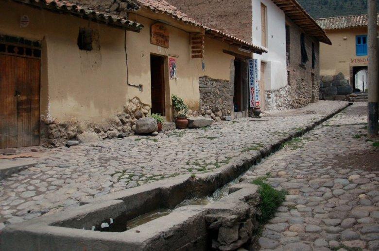Ollantaytambo Peru - ExplorationVacation 2005-12-30_10_49_08