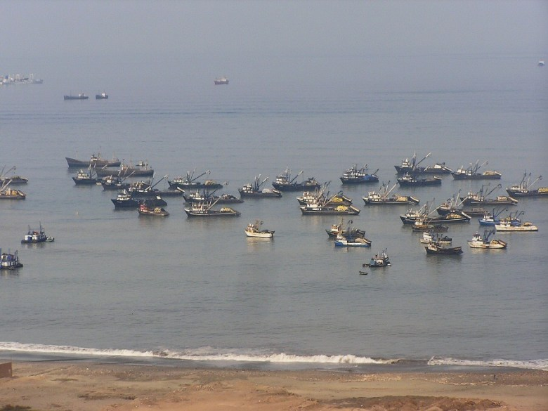 P1010057 fishing fleet outside Lima - ExplorationVacation