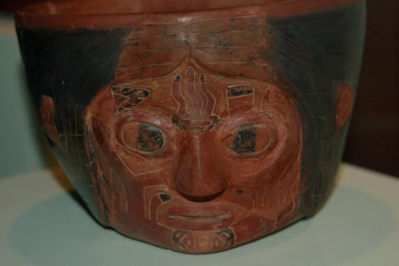 Peruvian pottery Lima - ExplorationVacation 2005-12-27_15_11_57