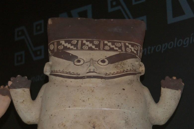 Peruvian pottery Lima - ExplorationVacation 2005-12-27_15_43_42