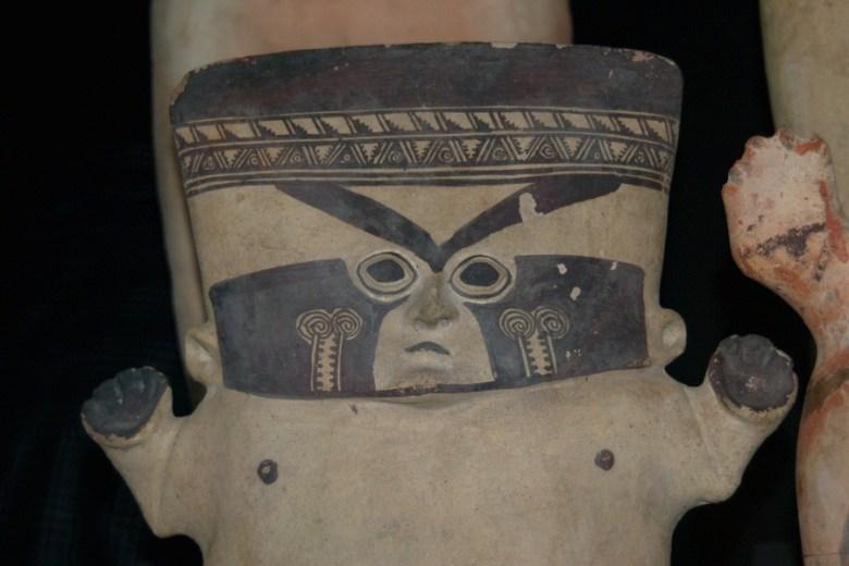 Peruvian pottery Lima - ExplorationVacation 2005-12-27_15_43_49