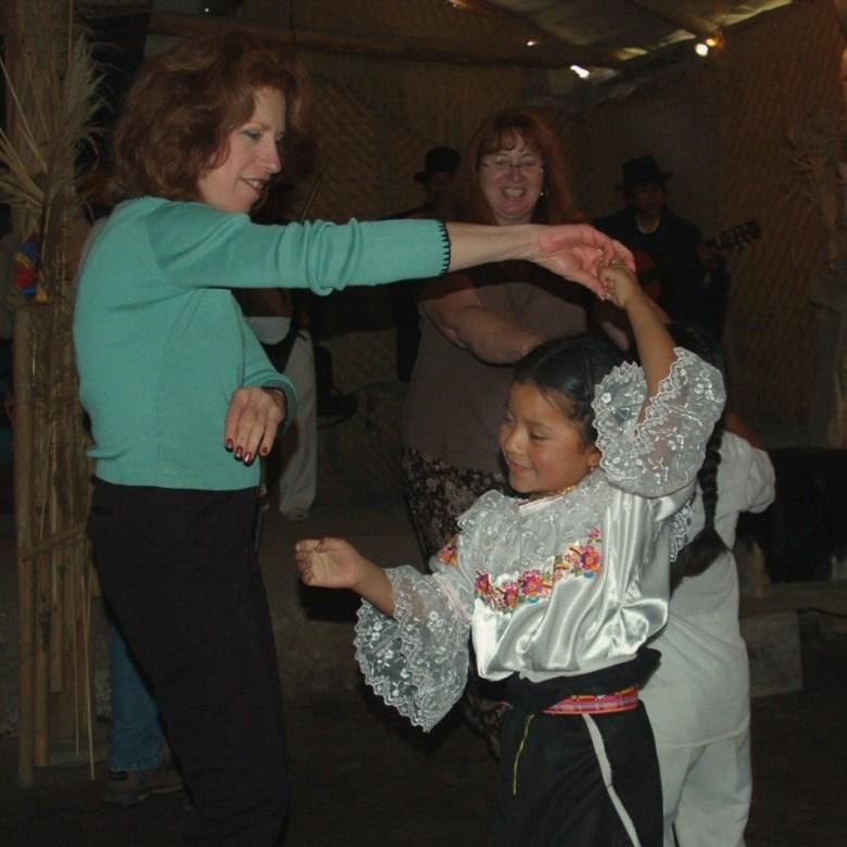 Little dancers Ecuador -ExplorationVacation 2006-01-03_14_17_22