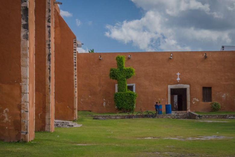 Colonial church in Mama, Mexico - ExplorationVacation.net