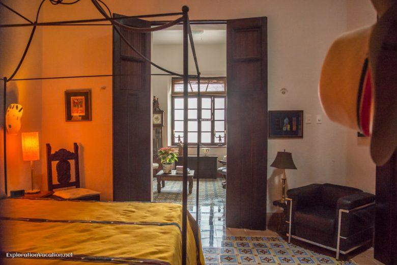 guest bedroom house tour in Merida