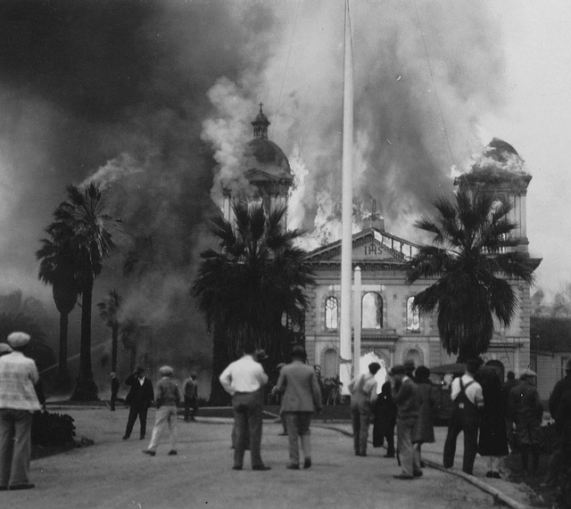 Mission church of Santa Clara de Asis in flames in 1926. Photo courtesy Santa Clara University obtained from www.siliconvalleyhistory.org.