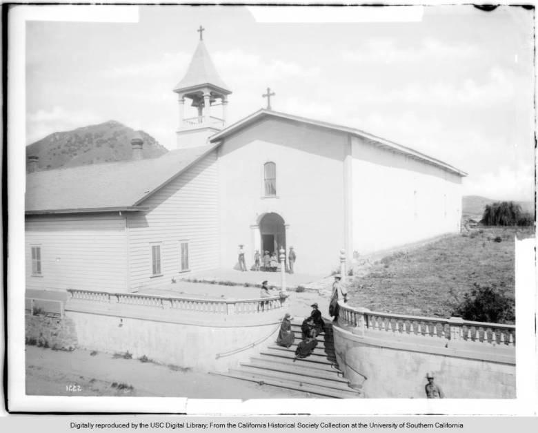 Main_front_of_Mission_San_Luis_Obispo_de_Tolosa_ca1888