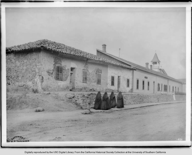View_from_the_south_of_Mission_San_Luis_Obispo_de_Tolosa_1900