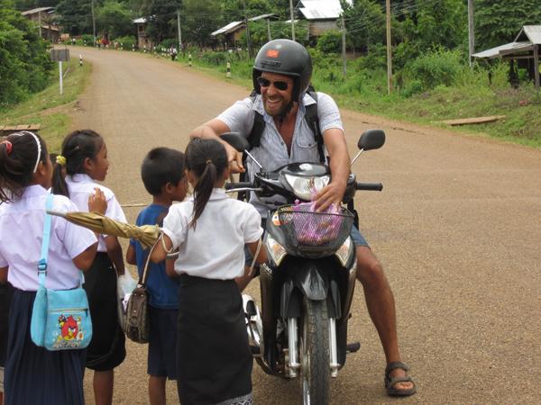 laos-tiger-trail-jordi-spanish-tour-representative-2