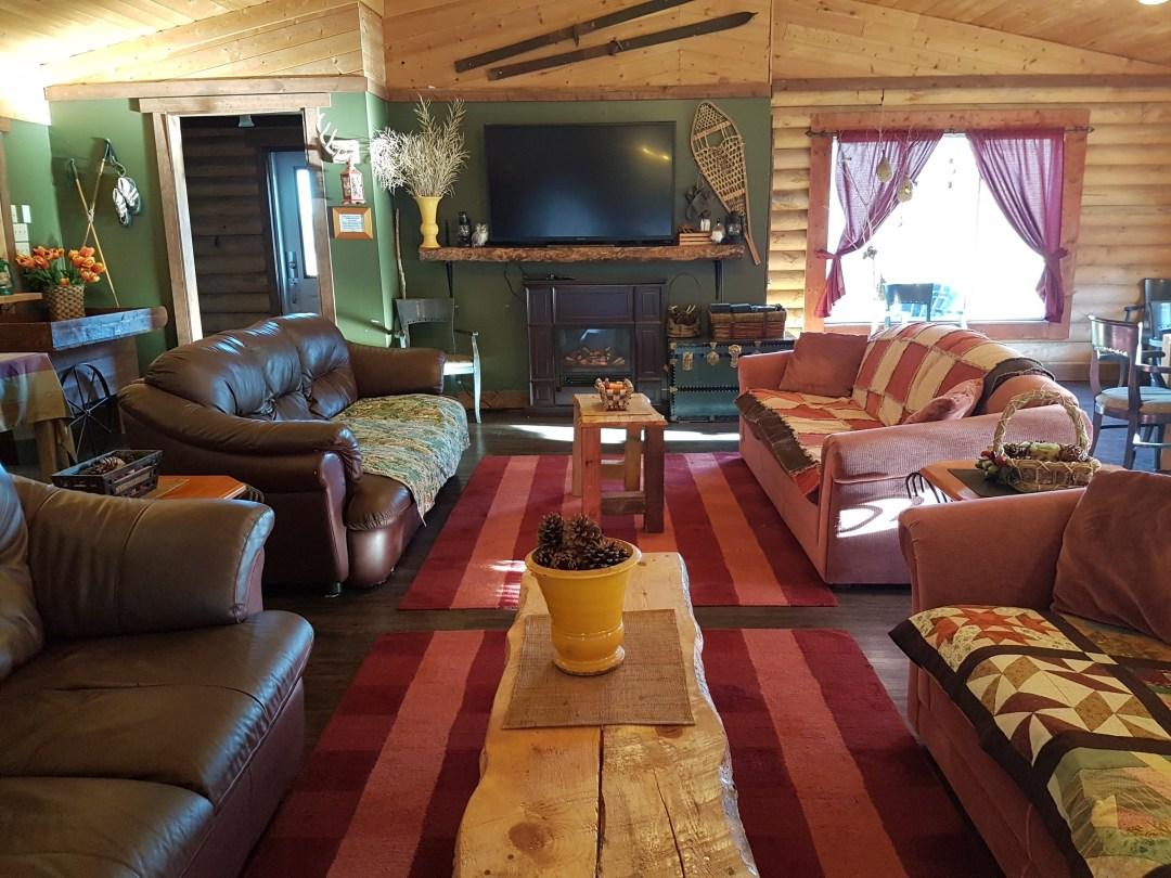 chalet-living-room