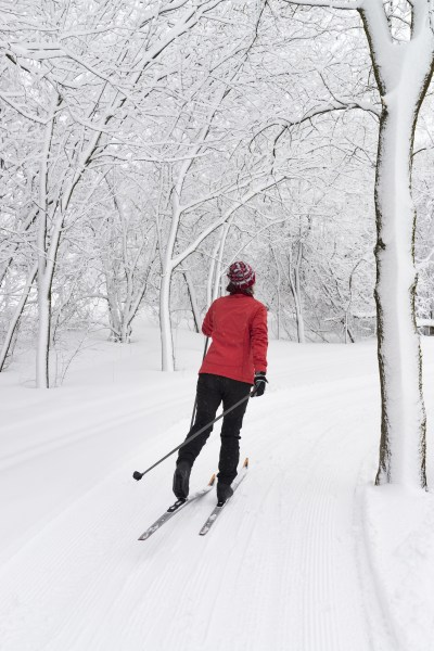 cross-country-skiing-02