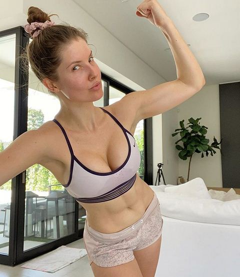 Amanda Cerny Weight