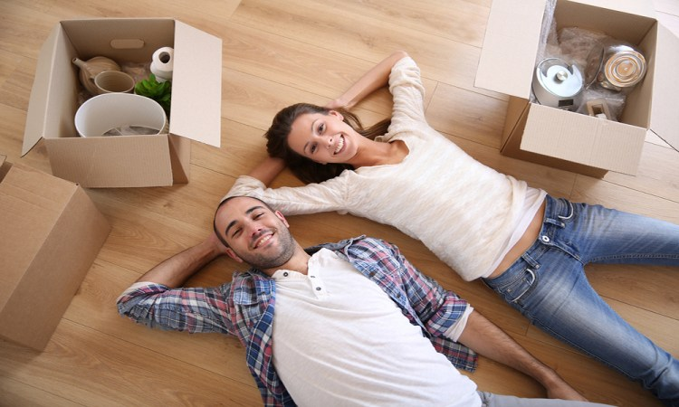 Couple moving into Lakewood Ranch