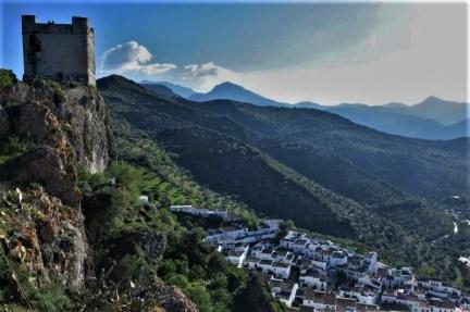 white village Zahara de la Sierra private tour Cadiz views from castle