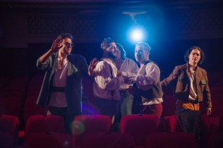 8 femei, Visul unei nopți de vară și Pețitoarele în weekend la Teatrul Dramatic