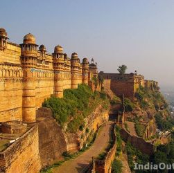 tourist attraction near gwalior