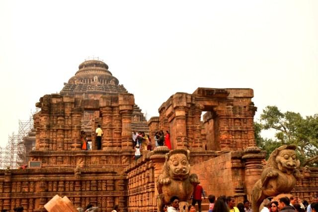 Konark sun temple picture