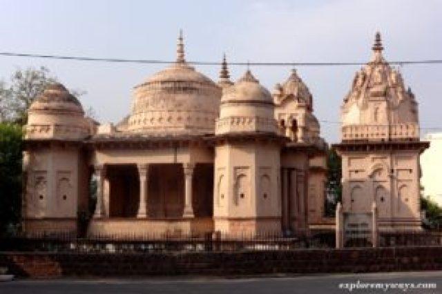 ancient temple bhedaghat