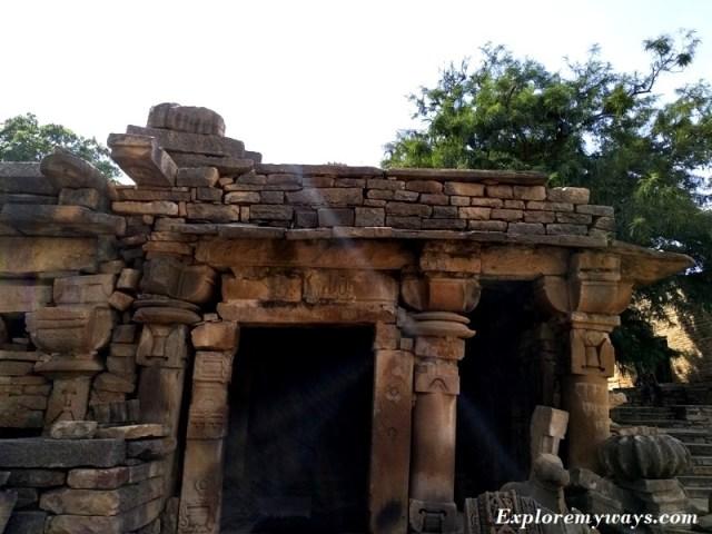 Damaged mandap of Shiva temple at Bateshwar temple