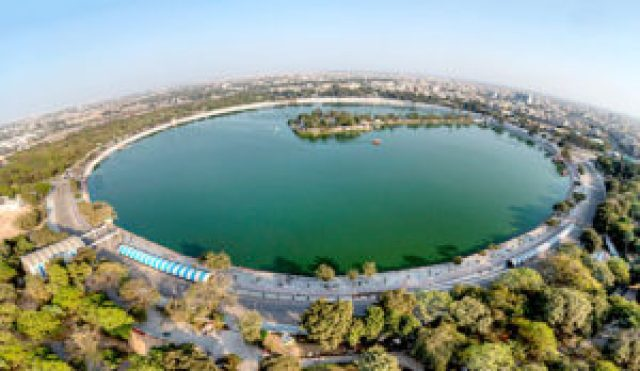 famous Kankaria Lake of Ahmedabad