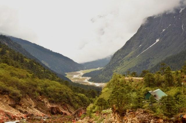 Lachung river through Yumthang Valley