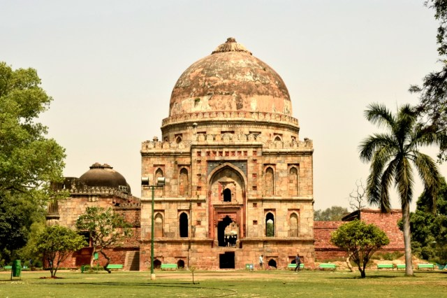 historical monuments in Lodhi garden