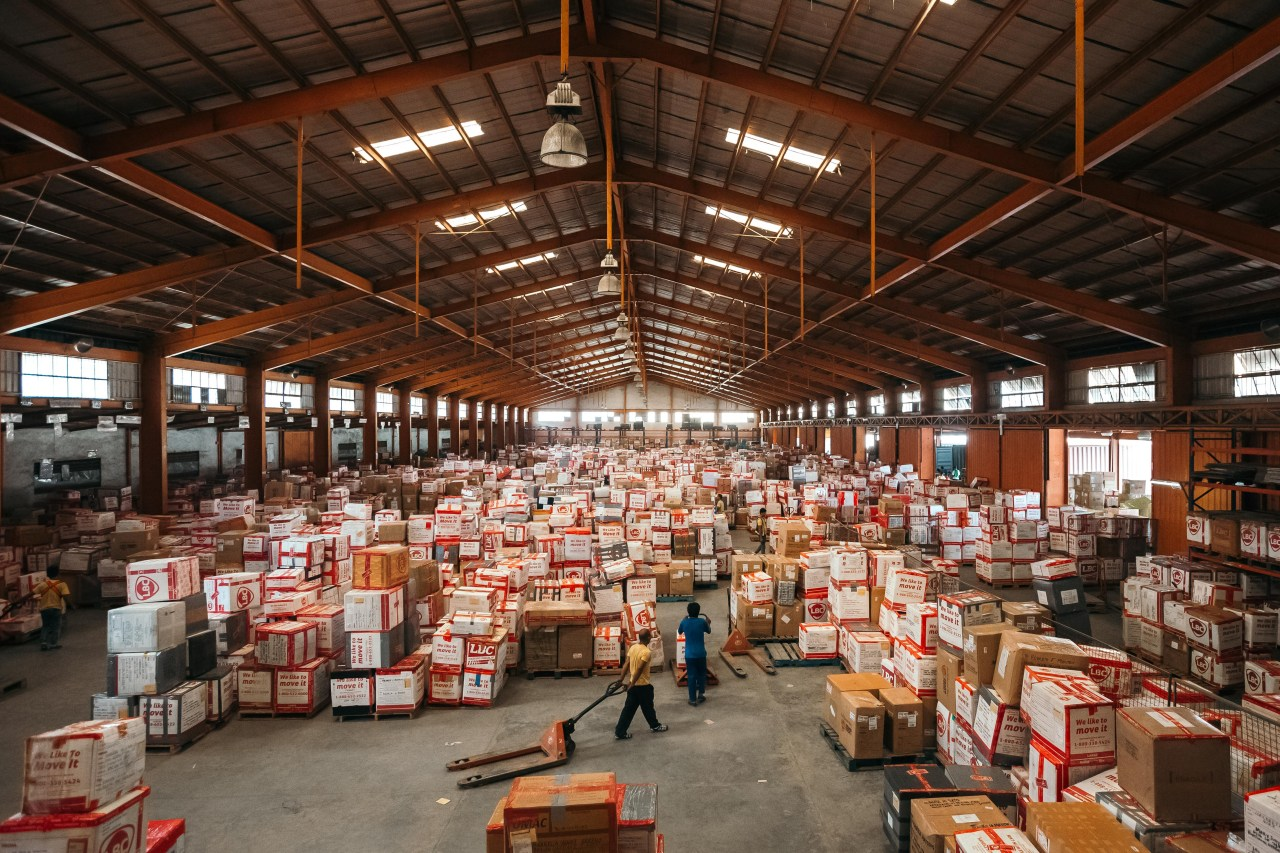 Shipping companies handle millions of metric tons in balik bayan boxes each year.