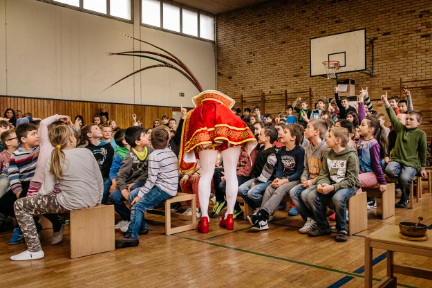 1. The Cologne Carnival is closely connected to the Christian church. During each carnival season they participate in several church services. / 2. Prinz Holger I answers questions from primary school students.