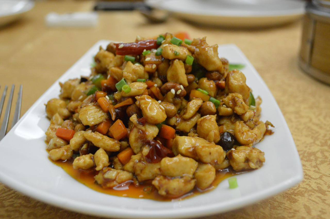 Kung pao chicken is a popular dish among Sri Lankans. Tang Dynasty's take on the dish is distinctly different, with carrots, cucumbers, black beans, and a tingly sauce laden with Sichuan peppers