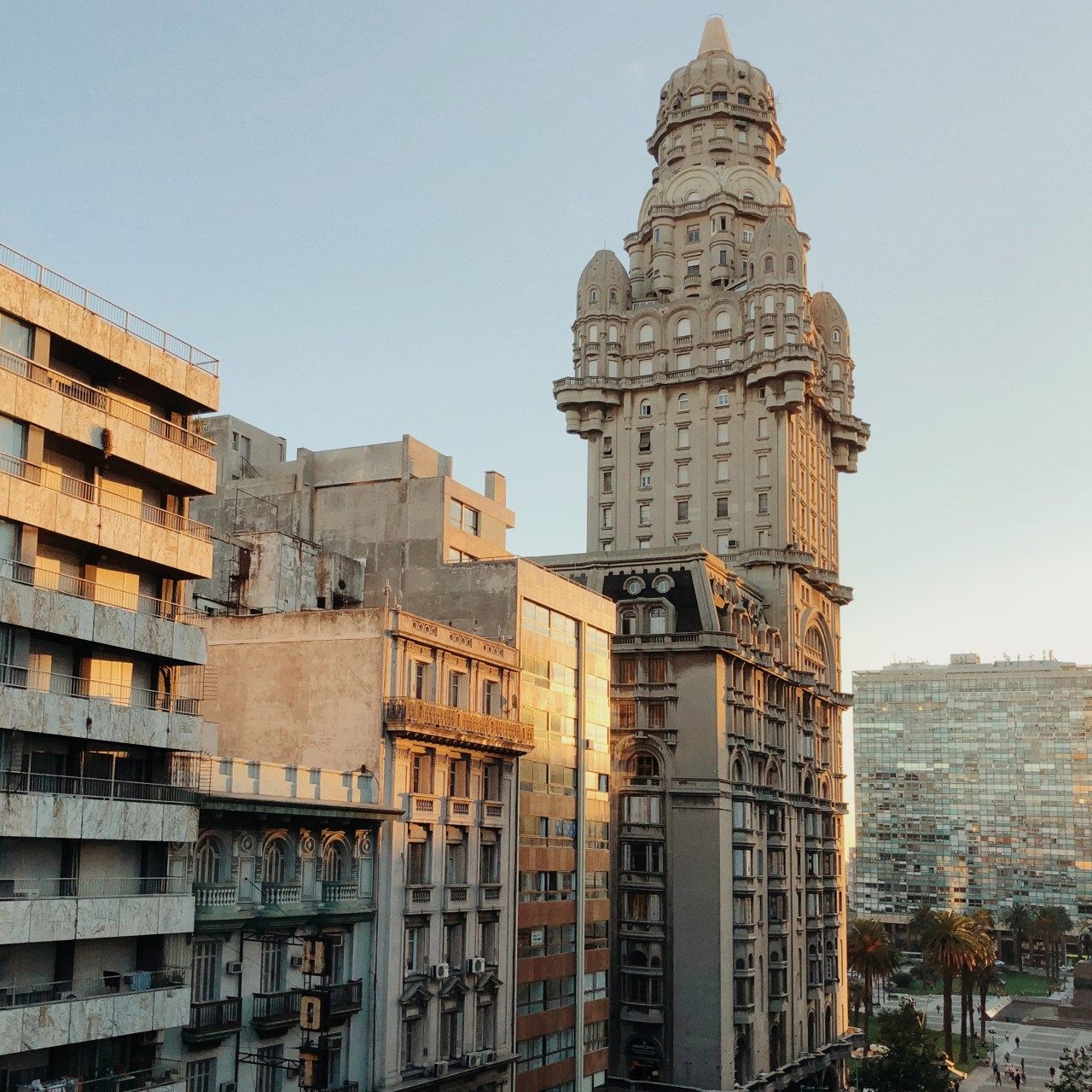 Palacio Salvo sits at the intersection of 18 de Julio Avenue and Plaza Independencia in Montevideo.