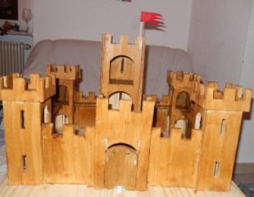 Le château fort en bois fabrication maison