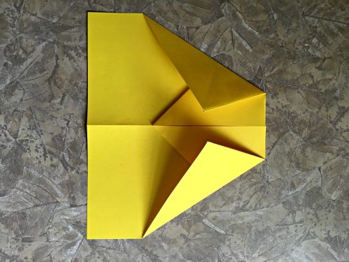 Best paper airplane ever, corners