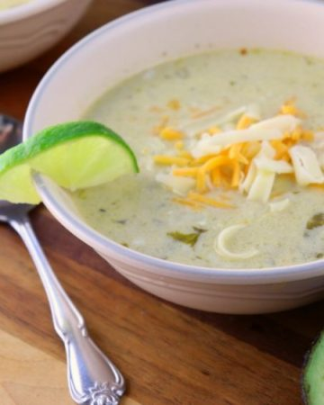 Green chili chicken chowder feature