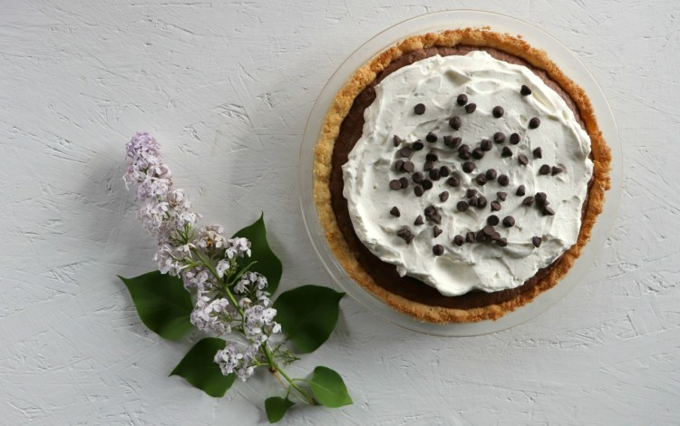 Whole low carb chocolate pie, feature, with lilac