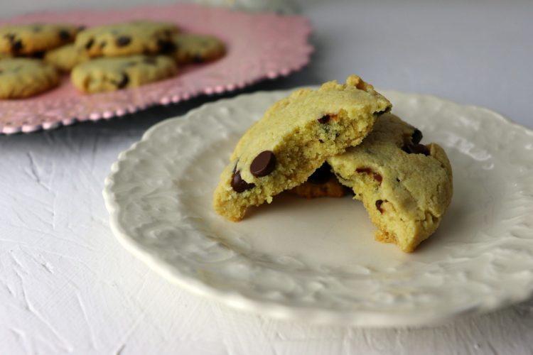 Best chewy keto chocolate chip cookies, broken cookie