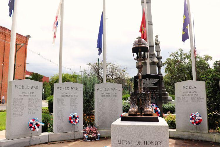 Owego New York War Memorial #experiencetioga #owego #warmemorial #explorermomma