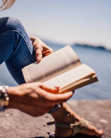 40 next books to read list. A fun reading challenge for all. #booklist #40nextbooks
